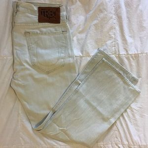 Bobby True Religion bleached blue jeans. 33 x 30